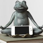 Yoga Frog Statue Cellphone Holder