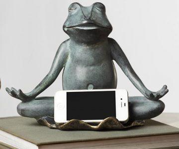 Yoga Frog Statue Cellphone Holder