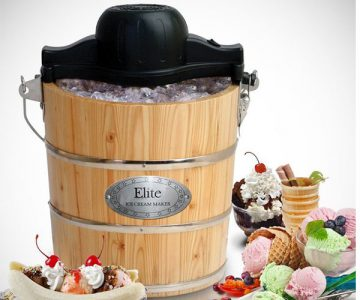 Old-Fashioned Bucket Ice Cream Maker