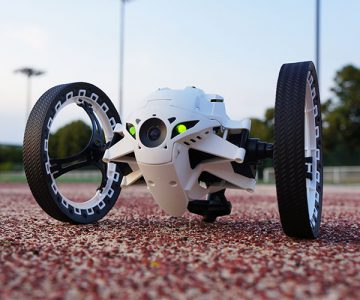 Parrot Jumping Sumo Robot With Camera