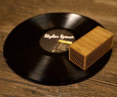 RokBlok Wireless Record Player